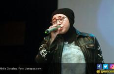 Melly Goeslaw Marah Gegara Gaya Berkostumnya Dijadikan Lelucon - JPNN.com