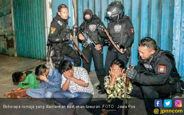 Sejumlah Pemuda Bikin Onar Sambil Cari Lawan untuk Tawuran - JPNN.com