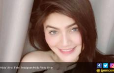 Hilda Vitria Tegaskan Hubungannya dengan Billy Syahputra Hanya Berteman Saja - JPNN.com