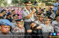 Irjen Machfud Dilepas dengan Arakan dan Gendongan - JPNN.com