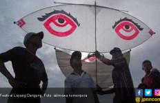 Festival Layang Dangung Meriahkan Kirab Pemuda di Pariaman - JPNN.com