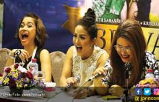 Lama Tidak Terlihat, 3 Diva Sepanggung Lagi - JPNN.com