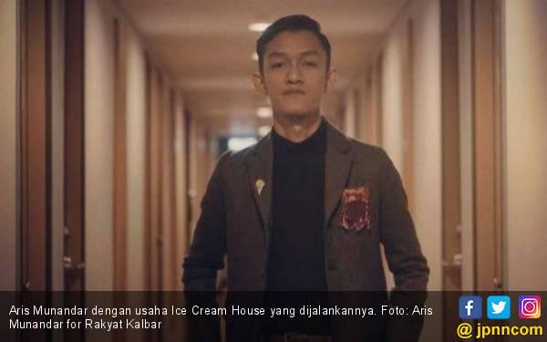 Aris Kuliah Sambil Berbisnis, Omzet Rp 7,5 Juta per Hari - JPNN.com