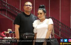 Krisdayanti Ungkap Alasan Suami Jalani Operasi Mata - JPNN.com