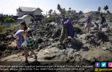 Tanah Berlumpur Telan Rumah Diduga juga Mengubur Korban - JPNN.com