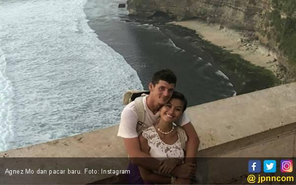 Liburan ke Bali, Agnez Mo Pamer Anting Seharga Rp 1,3 Miliar - JPNN.com