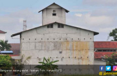 Tanda Panah di Dekat Lubang Bangunan Sarang Walet, Ternyata! - JPNN.com