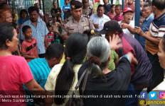 Heboh, Jasad Suami Diperebutkan Tiga Istri dan Anak-anaknya - JPNN.com