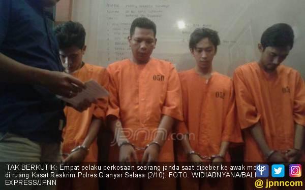 4 Pria Bejat Tergoda Kemolekan Janda, Terjadilah di Kamar - JPNN.com