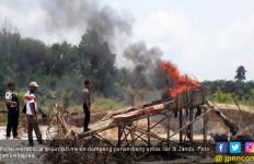 Sejumlah Mesin Dompeng Milik Penambang Emas Liar Dibakar - JPNN.com