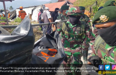 TNI Temukan 188 Jenazah di Reruntuhan Perumahan Balaroa Palu - JPNN.com