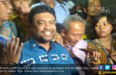 Menangis di Depan Said Iqbal, Ratna Sarumpaet Minta Dipertemukan dengan Prabowo - JPNN.com
