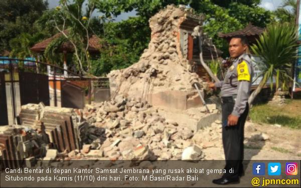 Panik Ada Gempa, Dua Ibu Berlari ke Luar Rumah Tanpa BH - JPNN.com