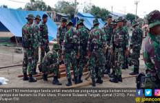 KRI Makassar 590 Kembali Bawa Bantuan Surabaya untuk Palu - JPNN.com