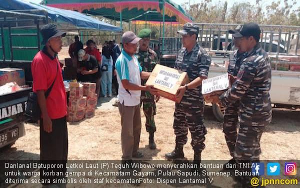 Danlanal Bawa Bantuan TNI AL untuk Warga Korban Gempa - JPNN.com