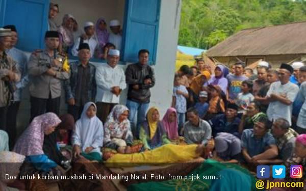12 Siswa Meninggal Diterjang Air Bah di Madina - JPNN.com