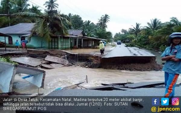 Polisi Menyusuri Sungai Cari Korban Hilang Terseret Banjir - JPNN.com