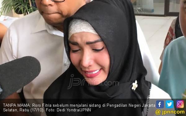 Sidang PK Ditunda, Roro Fitria: Hati Kecil Saya Kecewa - JPNN.com