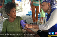 Korban Gempa: Perawat Ganteng Ini Sangat Membantu Saya - JPNN.com