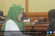 Alasan Hj Kelimah Mundur dari Ketua DPRK Nagan Raya - JPNN.com