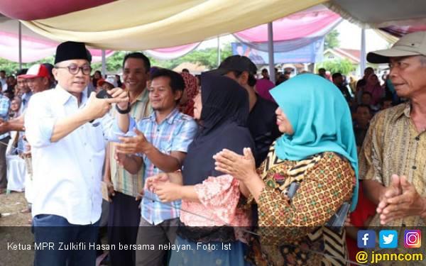 Nelayan Lampung Curhat soal Keuangan pada Zulkifli - JPNN.com