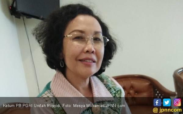 Bu Uni: Draf PP PPPK Ada Jalur Khusus Guru Honorer K2 Tua - JPNN.com