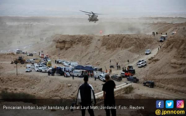 Rombongan Karyawisata Disapu Banjir Bandang, 20 Tewas - JPNN.com