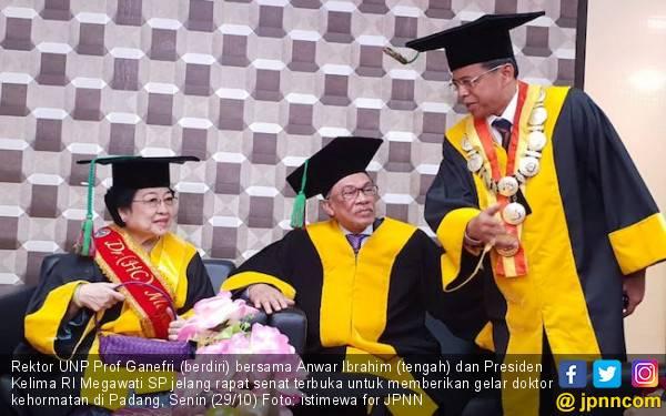 UNP Berikan Gelar Doktor Kehormatan untuk Anwar Ibrahim - JPNN.com
