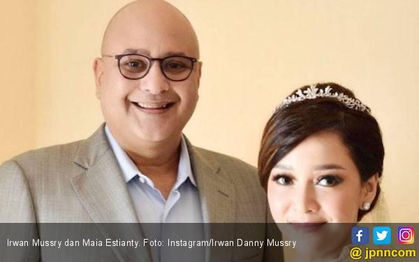 Maia Estianty Pakai Mahkota Buatan Happy Salma Saat Menikah - JPNN.com
