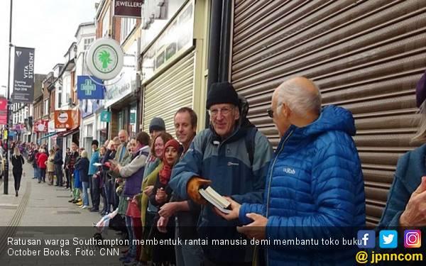 Warga Southampton Gotong Royong demi Menyelamatkan Toko Buku - JPNN.com