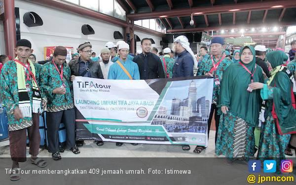 Berpedoman SIPATUH, Tifa Tour Berangkatkan 409 Jemaah Umrah - JPNN.com