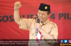 HNW Ajak Santri Pramuka Ikut Sosialisasikan Empat Pilar MPR - JPNN.com