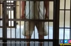 Pegang Kemaluan Bocah, AS Ditangkap di Warteg - JPNN.com