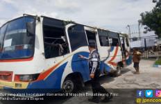 Tak Kuat Menanjak, Bus Bawa Keluarga Pengantin Terguling - JPNN.com