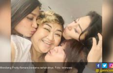Sebelum Meninggal, Pretty Asmara Minta Dimandikan Sahabat - JPNN.com