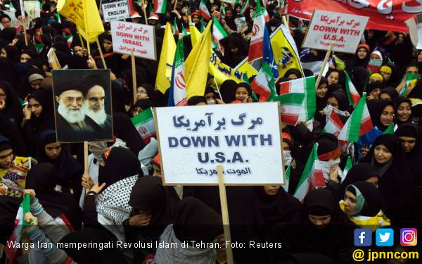 40 Tahun Krisis Penyanderaan: Teriakan 'Matilah Amerika' Bergema di Ibu Kota Iran - JPNN.com