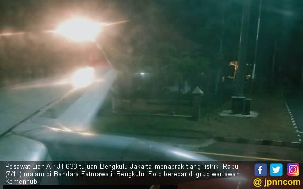 Pesawat Lion JT-633 Tabrak Tiang, Nasib Penumpang Gimana? - JPNN.com