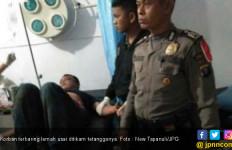 Anggota Dewan Bersimbah Darah Ditikam, Duh Ususnya Kelihatan - JPNN.com