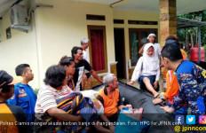 Lihat Detik - Detik Polres Ciamis Mengevakuasi Korban Banjir - JPNN.com