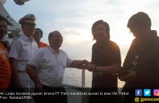 Menikmati Senja Menuju Pulau Edam Bersama Ari Lasso - JPNN.com