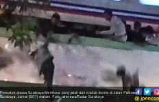 Kereta Melintas, Drama 'Surabaya Membara' Jadi Duka - JPNN.com