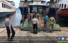 Bikin Resah, Puluhan Bonek Dipulangkan Lewat Gilimanuk - JPNN.com
