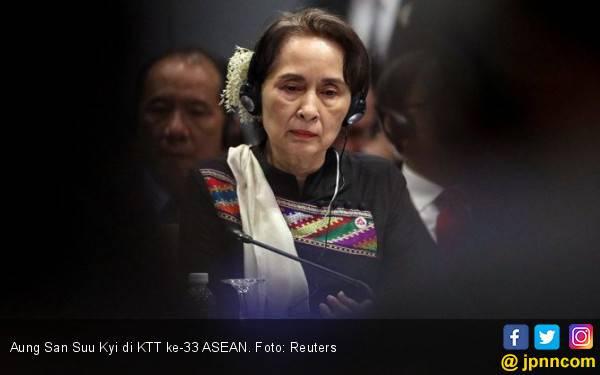 Aung San Suu Kyi Dipermalukan di KTT ASEAN - JPNN.com