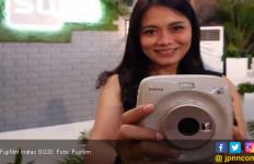 Fujifilm Instax SQ20 Dilepas dengan Harga Rp3 juta - JPNN.com