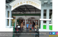 Duka Usai Salat Subuh Berjemaah di Masjid Al Istiqomah - JPNN.com