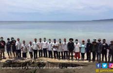 Hindari Dampak Negatif, Bangkai Paus di Wakatobi Dikuburkan - JPNN.com
