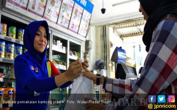 Asosiasi Usaha Tolak Insentif Perda Larangan Kantong Plastik - JPNN.com
