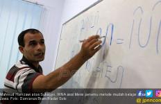 WN Mesir Ini Temukan Metode Mudah Menghafal Aksara Jawa - JPNN.com