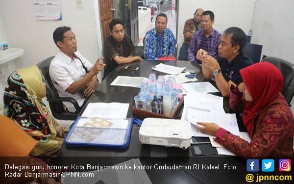 Guru Honorer Pusing Mikirin SK Pengangkatan - JPNN.com