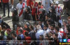 Copa Libertadores: Bus Boca Juniors Diserang Fan River Plate - JPNN.com